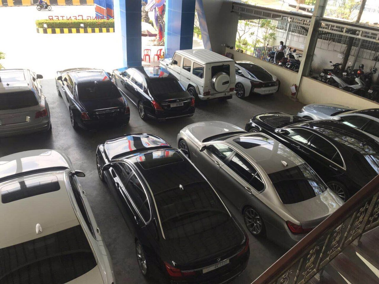 招聘汽车销售服务顾问
